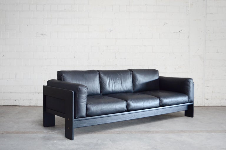 Mid-20th Century Gavina Leather Sofa Model Bastiano design Tobia & Afra Scarpa For Sale