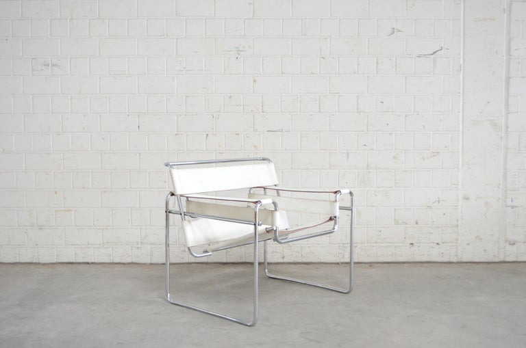 Gavina Wassily Chair Leather White by Marcel Breuer For Sale 4