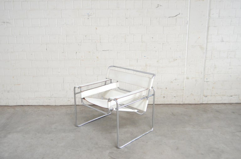 Gavina Wassily Chair Leather White by Marcel Breuer For Sale 3