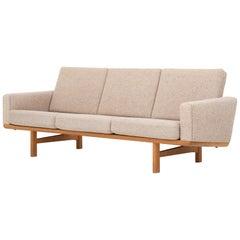 GE 236/3 Sofa in Oak by Hans J. Wegner
