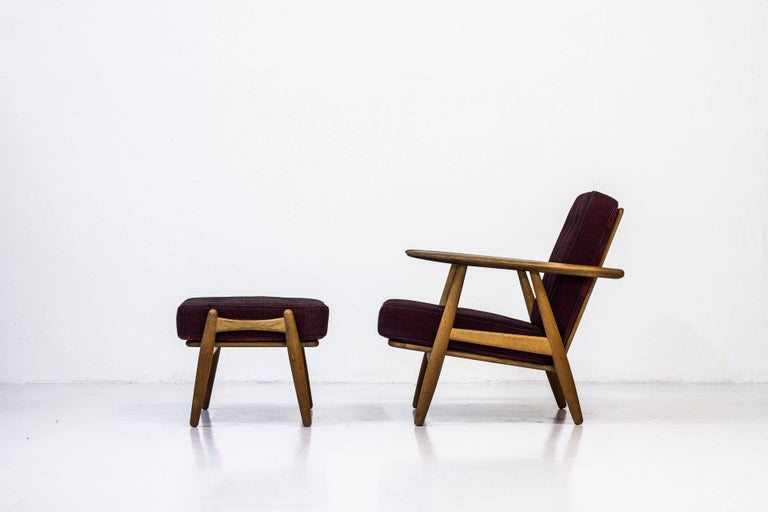 Scandinavian Modern GE-240 Easy Chair and Ottoman by Hans J. Wegner For Sale