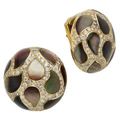 Gem Veto Button Mother-of-Pearl and Diamond Earrings