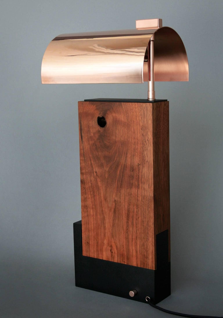 Bauhaus Style Contemporary Table lamp in Walnut and Brass by Vivian Carbonell For Sale 1