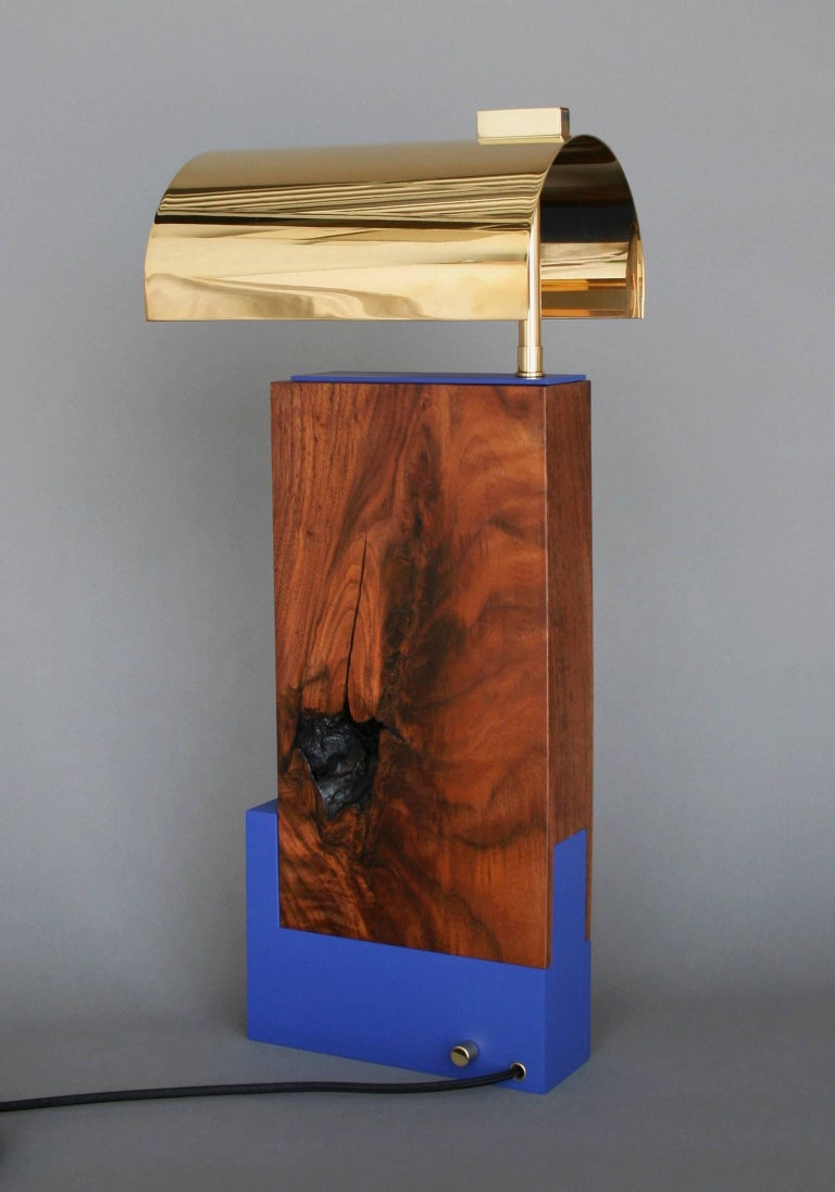 American Bauhaus Style Contemporary Table lamp in Walnut and Brass by Vivian Carbonell For Sale