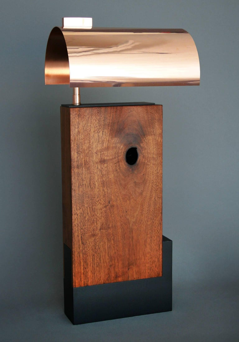 Bauhaus Style Contemporary Table lamp in Walnut and Brass by Vivian Carbonell In New Condition For Sale In Miami, FL