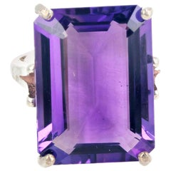 Gemjunky 12.6 Carat Dazzling Purple Pink Solitaire Amethyst Silver Cocktail Ring