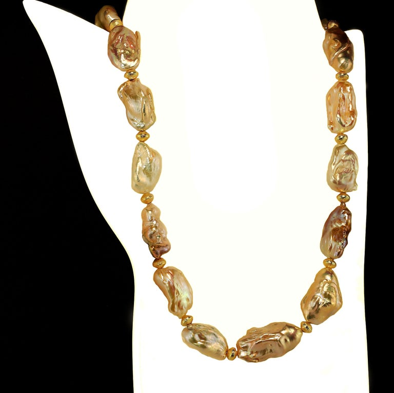 Gemjunky White Baroque Pearl Necklace June Birthstone In New Condition For Sale In Tuxedo Park , NY