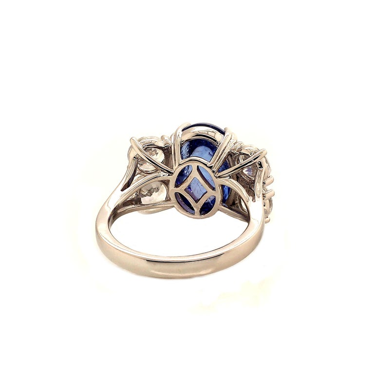 Dinner Ring of Cabochon Tanzanite and Sparkling Cambodian Zircons In New Condition For Sale In Tuxedo Park , NY