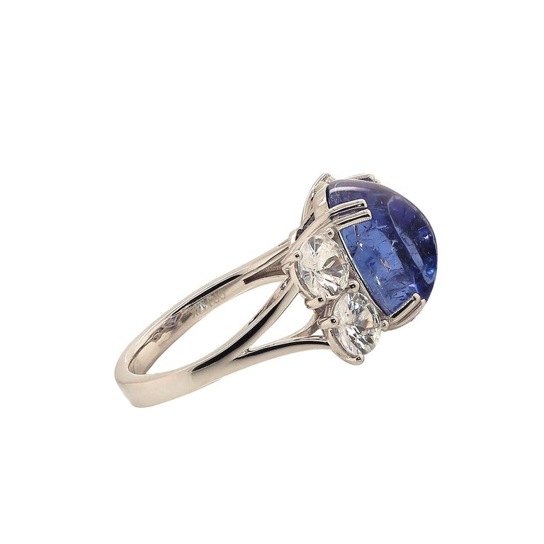 Women's or Men's Dinner Ring of Cabochon Tanzanite and Sparkling Cambodian Zircons For Sale