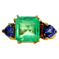 Gemjunky Elegant 2.8 Ct. Emerald & Natural Blue Tanzanite 18K Gold Cocktail Ring