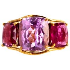 Gemjunky Glamorous Intense 8.85 Ct Kunzite & 7.5 Ct Tourmaline 18Kt Gold Ring