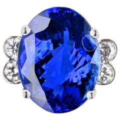 Gemjunky Royalty Inspired Magnificent 15.25Ct Tanzanite & Diamond with Gold Ring