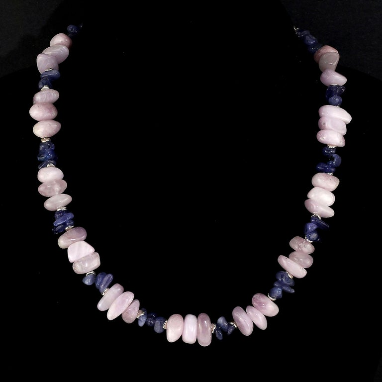 Gemjunky Summertime Unique and Fascinating Kunzite and Tanzanite Necklace In New Condition For Sale In Tuxedo Park , NY
