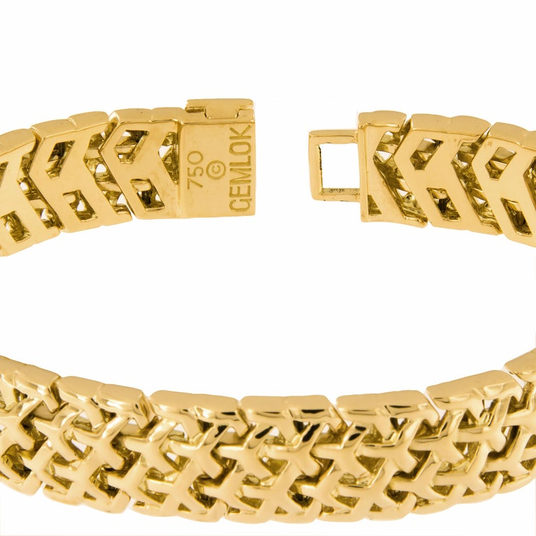 Women's Gemlok 18 Karat Gold Y Knot Bracelet For Sale