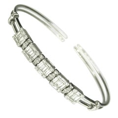 "Gemolithos Modern White Gold and Diamond Dancing Bracelet ""Move"""