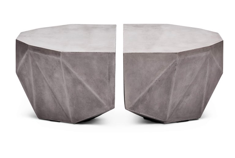 Gemstone Indoor/Outdoor Center Table, Dark Grey In New Condition For Sale In New York, NY