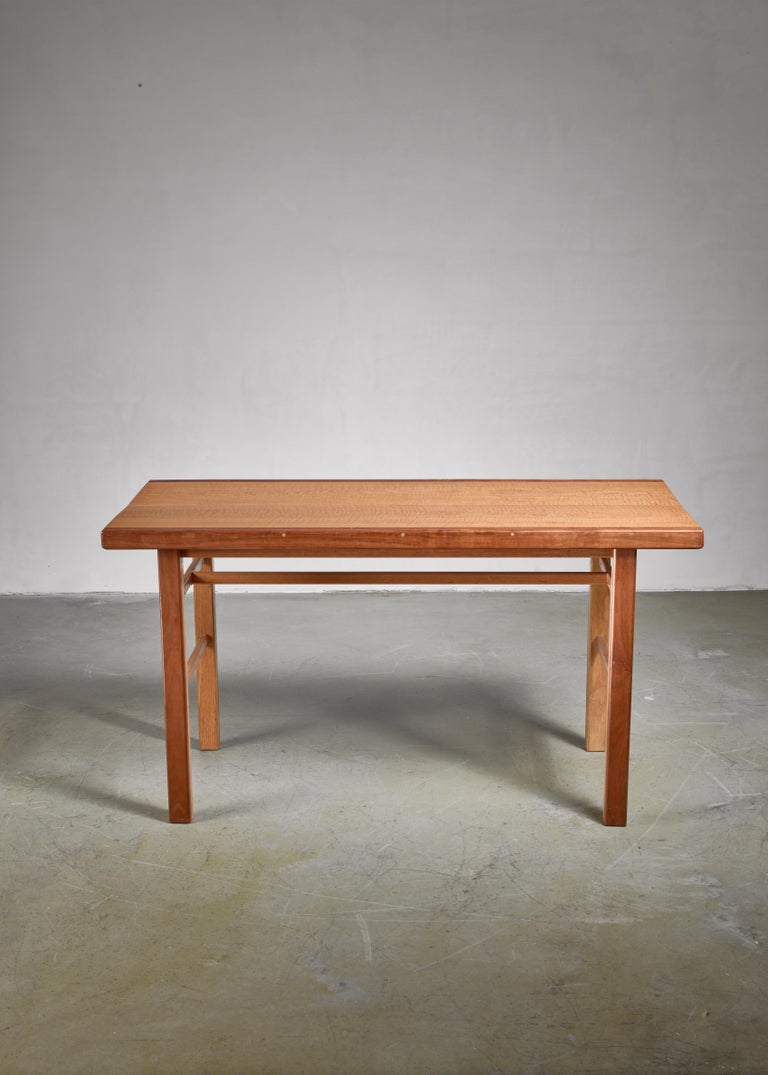 American Craftsman Gene Caples Walnut and Oak console Table, USA, 1960s For Sale