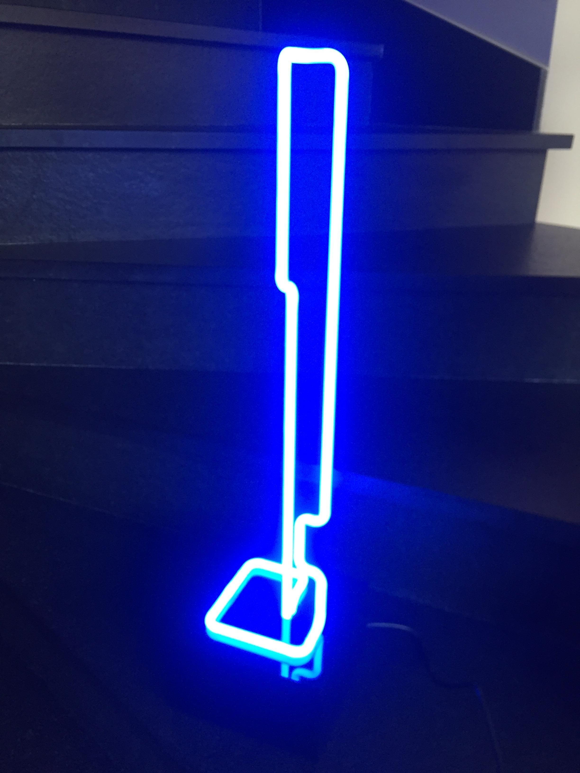 Linear Sculpture Plexi & Neon