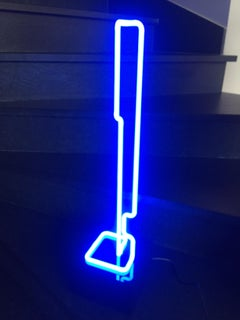 Linear Sculpture Plexi & Neon