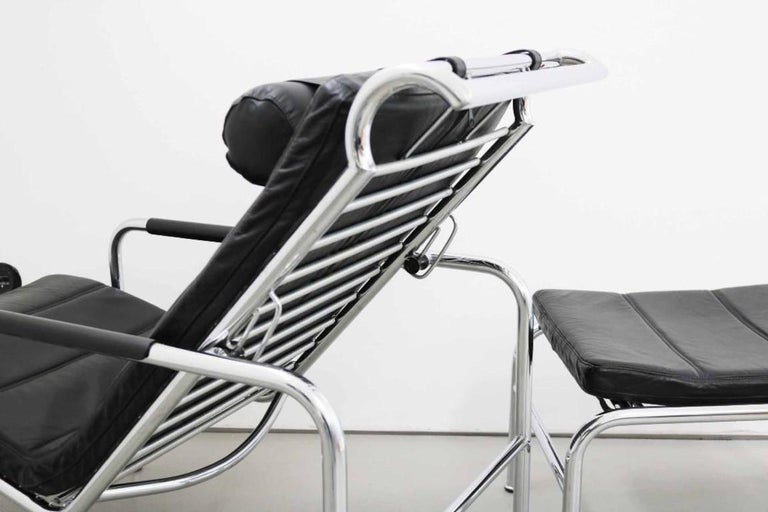 Late 20th Century Genni Chaise and Stool by Gabriele Mucchi for Zanotta For Sale