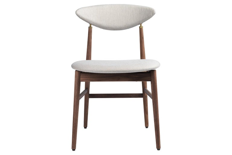 Designed by the design duo GamFratesi, the Gent dining chair is characterised by the contradiction between Scandinavian elegance and Italian dynamic lines. Strongly connected to the Masculo chair, the new Gent dining chair is characterised by a