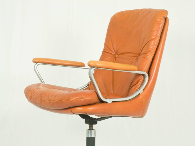 Italian Gentilina Leather Armchairs by André Vandenbeuck for Strässle, 1960s, Set of Two For Sale