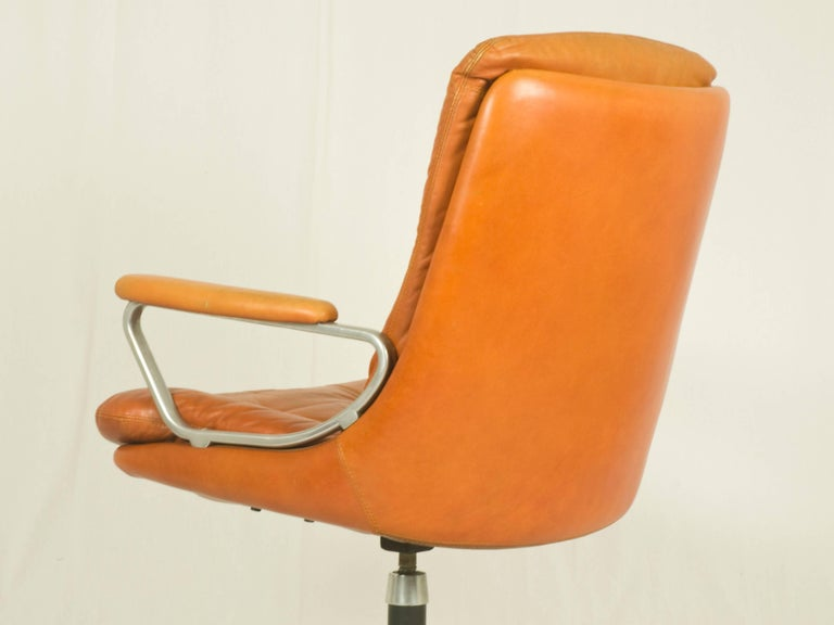 Gentilina Leather Armchairs by André Vandenbeuck for Strässle, 1960s, Set of Two In Good Condition For Sale In Varese, Lombardia