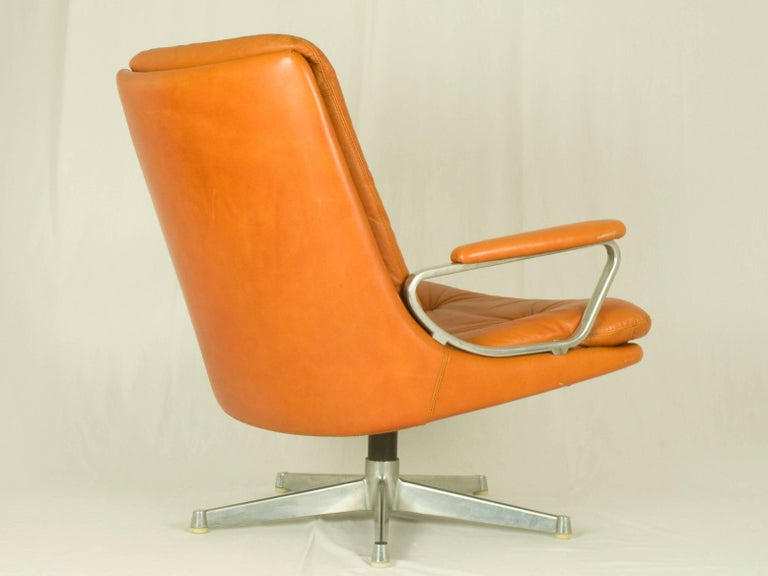 Painted Gentilina Leather Lounge Chairs by André Vandenbeuck for Strässle, 1960s, Pair For Sale