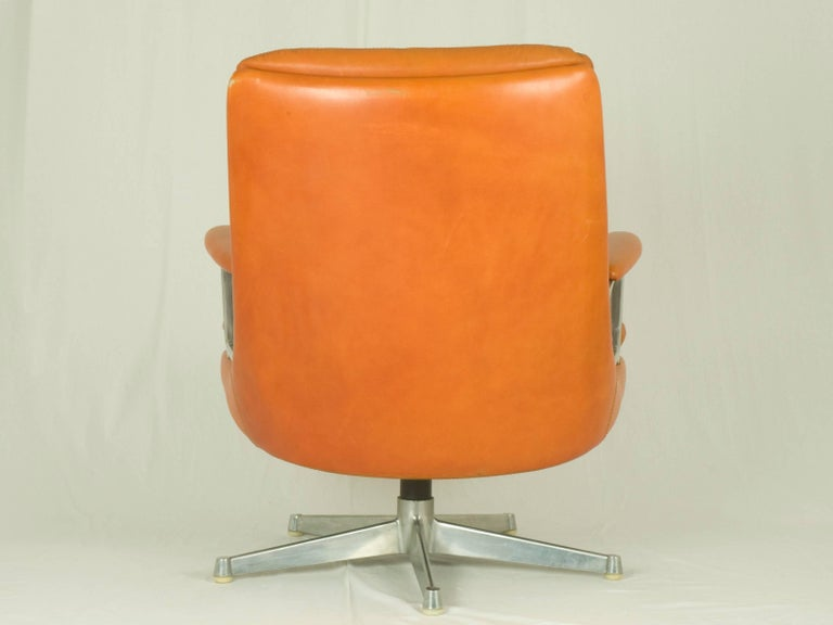 Gentilina Leather Lounge Chairs by André Vandenbeuck for Strässle, 1960s, Pair In Good Condition For Sale In Varese, Lombardia
