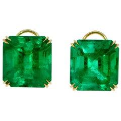 Genuine Colombian Emerald 18 Karat Yellow Gold Stud Earrings