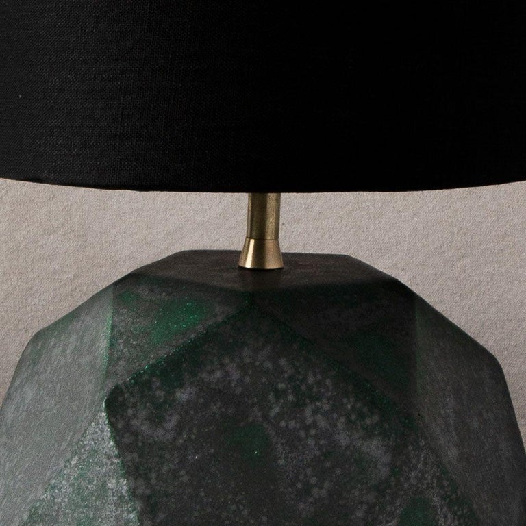 'Geode' Geometric White Ceramic and Brass Table Lamp with Linen Shade #4L In New Condition For Sale In Bronx, NY