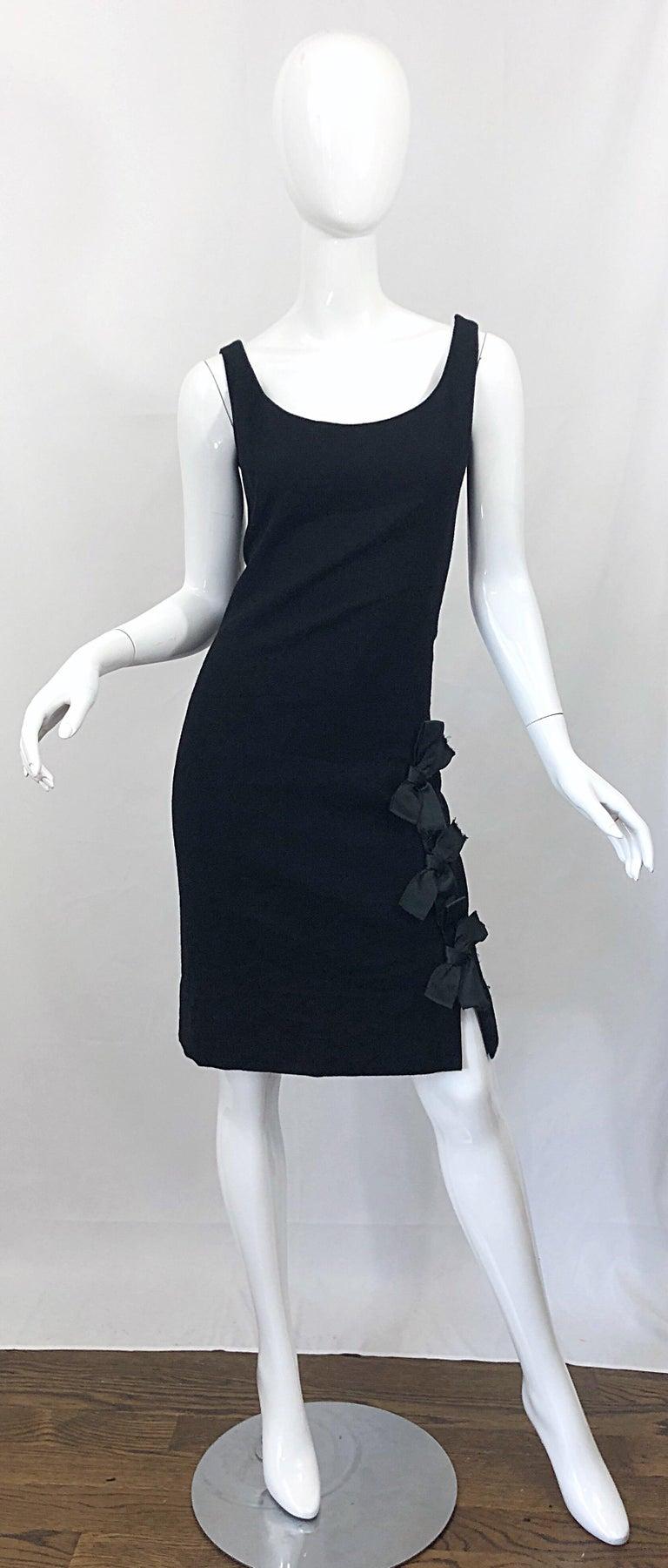 Geoffrey Beene 1960s Black Sleeveless Bow Detail Vintage 60s Wool Sheath Dress For Sale 10