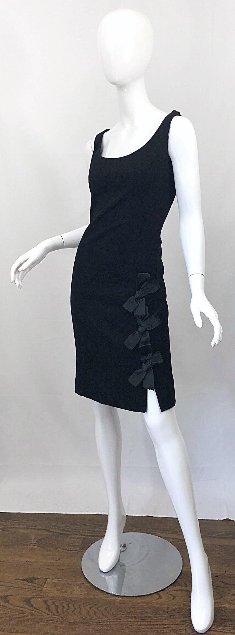 Women's Geoffrey Beene 1960s Black Sleeveless Bow Detail Vintage 60s Wool Sheath Dress For Sale