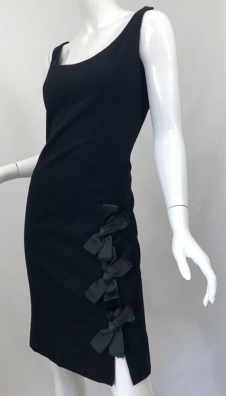 Geoffrey Beene 1960s Black Sleeveless Bow Detail Vintage 60s Wool Sheath Dress For Sale 5