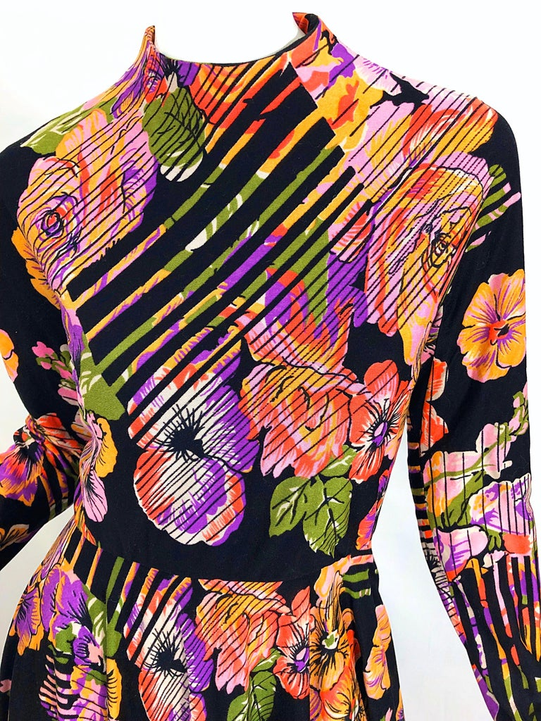 Women's Geoffrey Beene 1970s Abstract Flower Print Long Sleeve High Neck 70s Maxi Dress For Sale