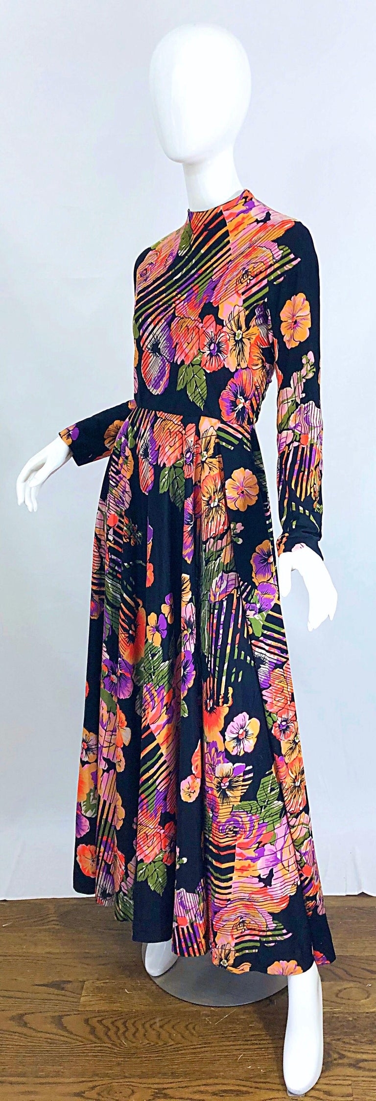 Geoffrey Beene 1970s Abstract Flower Print Long Sleeve High Neck 70s Maxi Dress For Sale 2