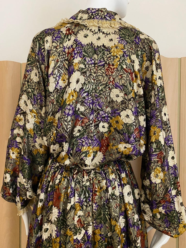 Women's Geoffrey Beene Multi Color Floral Print Silk  Lamé Blouse Skirt  and pant  Set For Sale