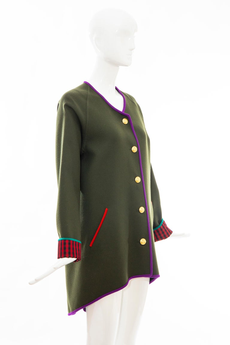 Geoffrey Beene Runway Olive Green Wool Button Front Cutaway Jacket, Fall 1988 In Excellent Condition For Sale In Cincinnati, OH