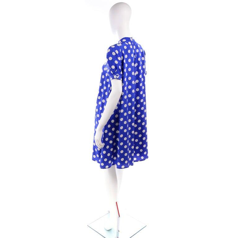 Women's Geoffrey Beene Vintage Blue & White Silk Polka Dot Semi Tent Dress Size 6 For Sale