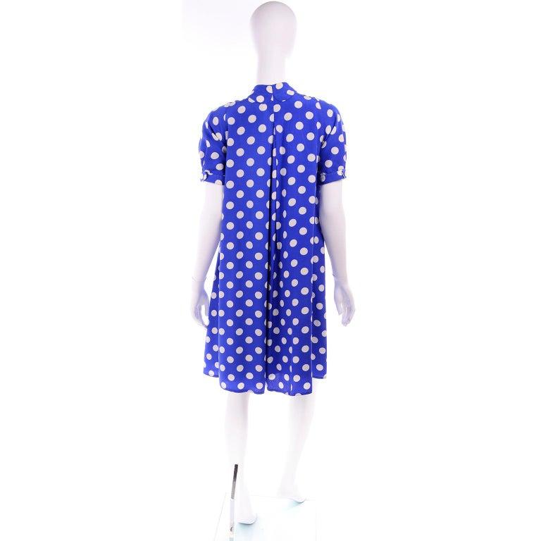 Geoffrey Beene Vintage Blue & White Silk Polka Dot Semi Tent Dress Size 6 For Sale 1