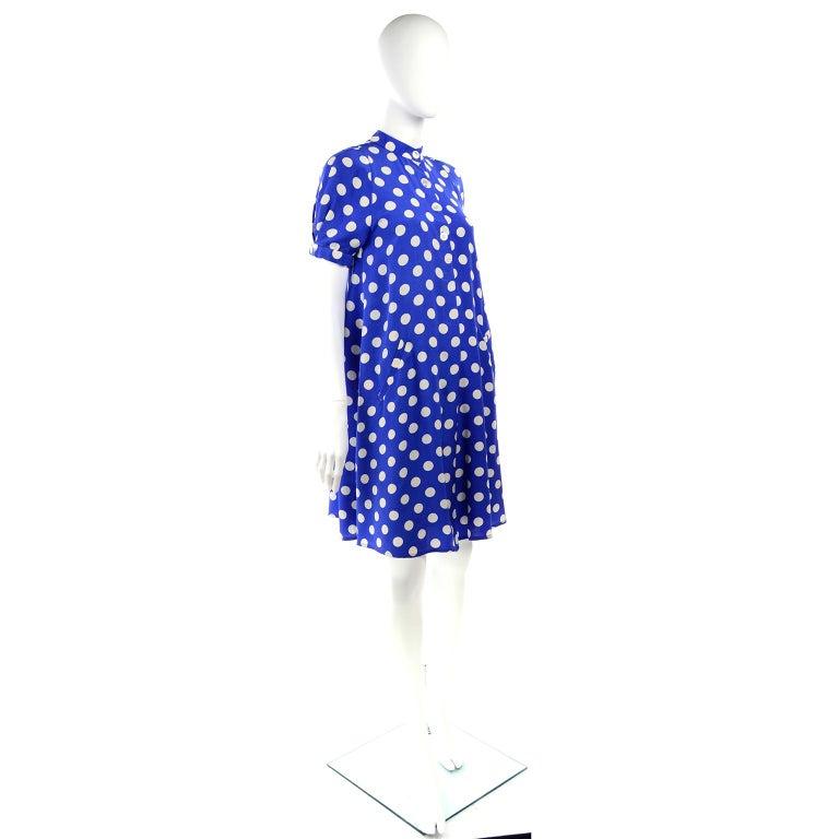 Geoffrey Beene Vintage Blue & White Silk Polka Dot Semi Tent Dress Size 6 For Sale 2