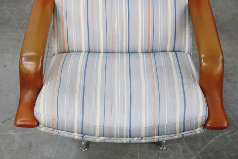 Geoffrey Harcourt for Artifort Model #F-140 Swivel Lounge Armchair, circa 1970s For Sale 4