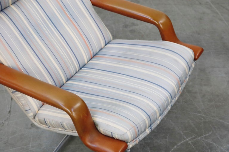 Geoffrey Harcourt for Artifort Model #F-140 Swivel Lounge Armchair, circa 1970s For Sale 7