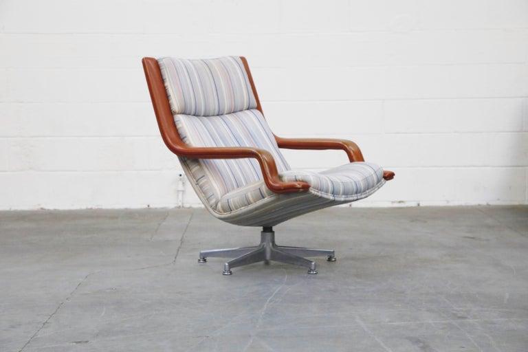 Modern Geoffrey Harcourt for Artifort Model #F-140 Swivel Lounge Armchair, circa 1970s For Sale