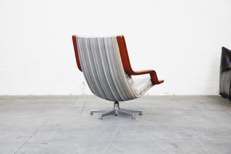 Geoffrey Harcourt for Artifort Model #F-140 Swivel Lounge Armchair, circa 1970s In Good Condition For Sale In Los Angeles, CA