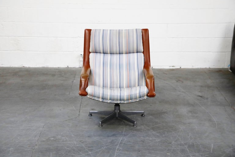 Geoffrey Harcourt for Artifort Model #F-140 Swivel Lounge Armchair, circa 1970s For Sale 2