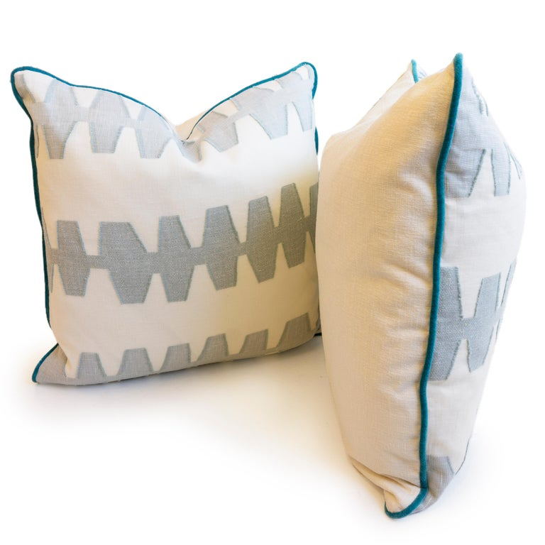 Geometric Linen Pillows In Excellent Condition For Sale In Westport, CT