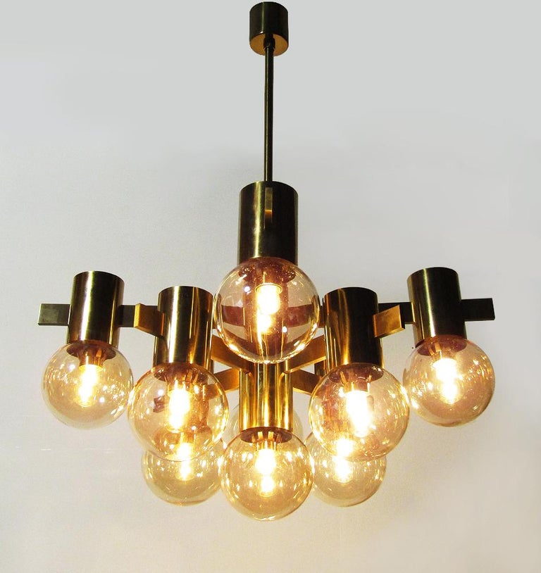 Geometric Swedish 1970s Chandelier in Brass and Glass by Hans-Agne Jakobsson For Sale 2