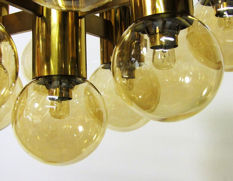 Geometric Swedish 1970s Chandelier in Brass and Glass by Hans-Agne Jakobsson For Sale 4