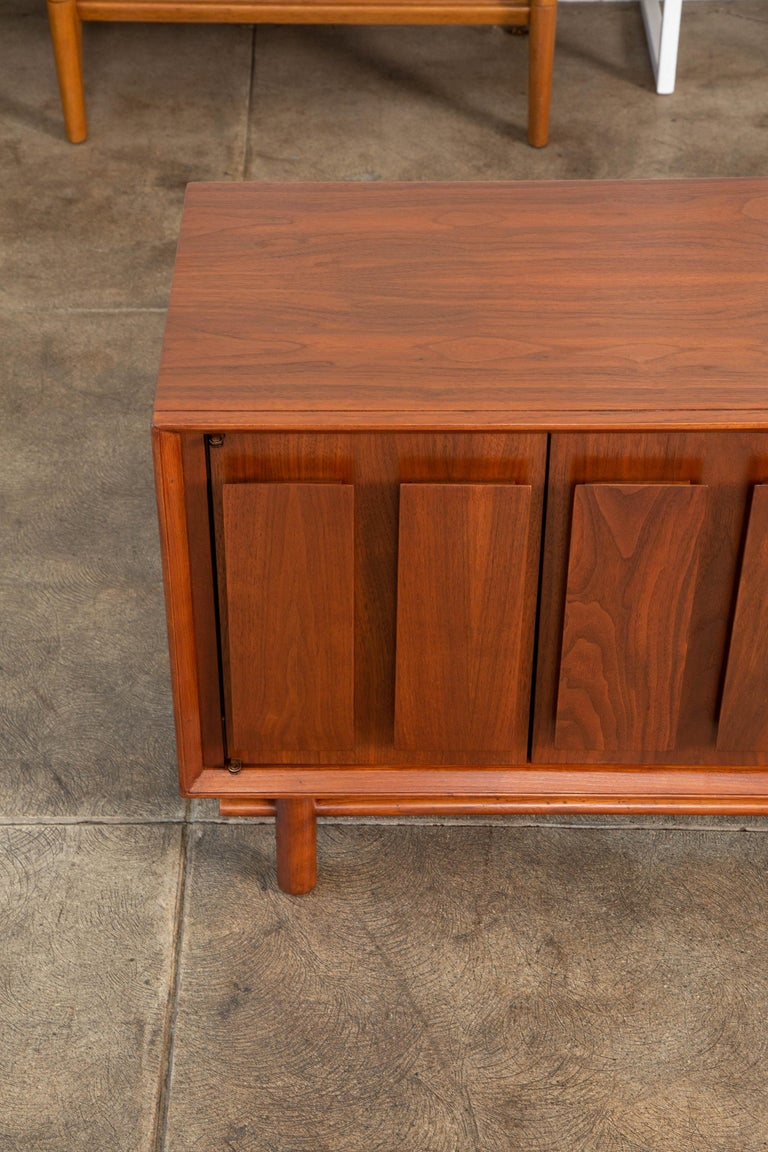 Geometric Walnut Credenza by Lane For Sale 4